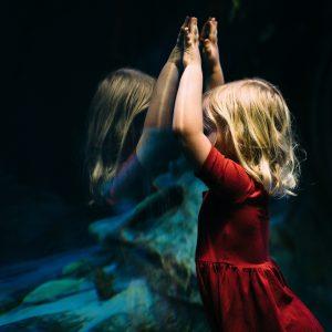 Traumele copilariei: neglijare, abandon, abuz